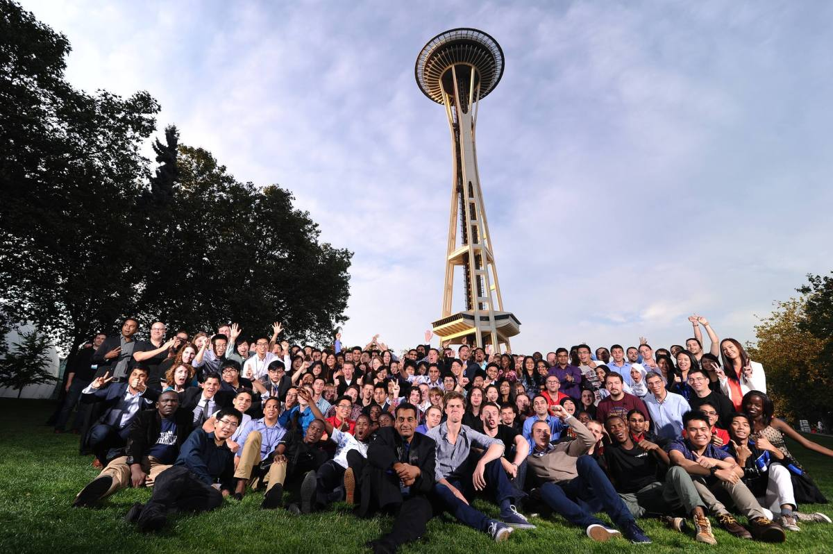 Imagine Cup 2014 - All Competitors Photo at the Space Needle